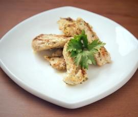 Курица под соусом из майонеза и чеснока